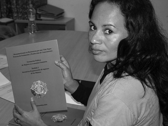 María Elena Alvarado fotografiada en Barcelona por Sonia Herrera.