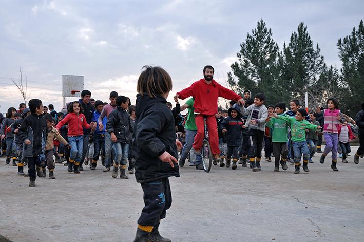 Niños y niñas en el campo de rifugiados Mis Aynter. Fotografías: Eliana Caramelli.