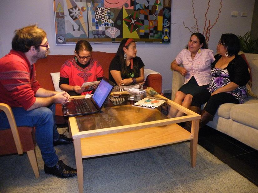 Eneko Calle entrevistando a las Poderosas.