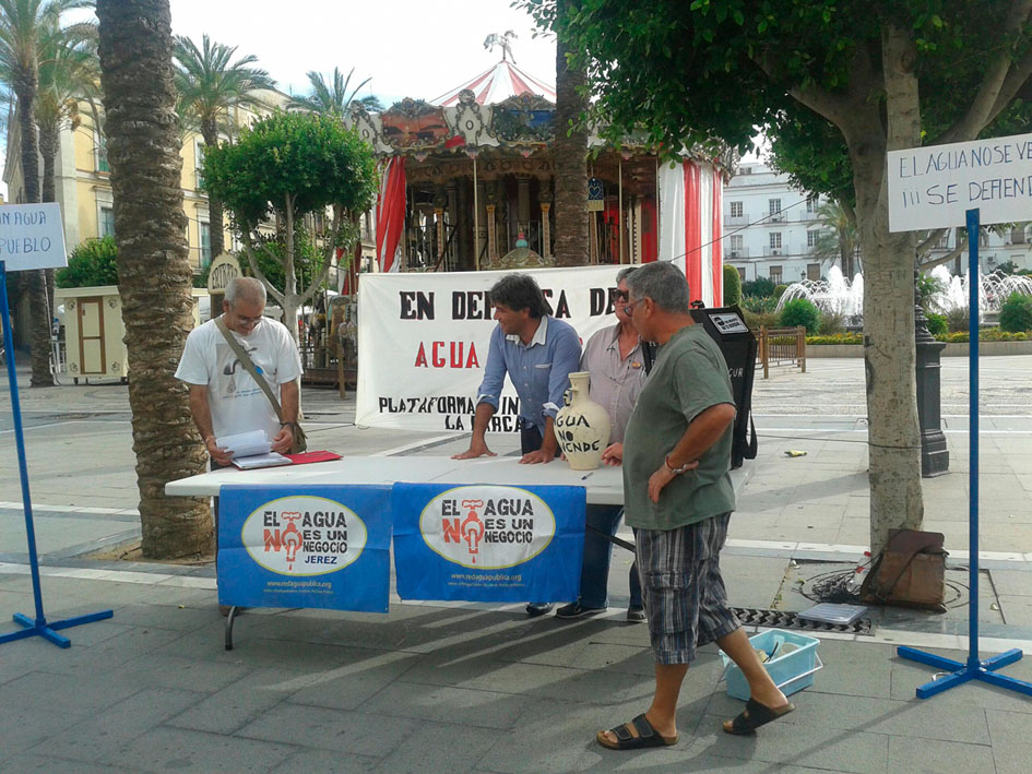 Campaña por la remunicipipalilización de la gestión del agua en Jérez de la Frontera. Fotografía de la Coordinadora del Agua en Jerez.