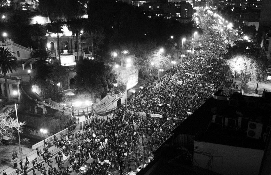 Manifestación en mayo de 2011 en Santiago de Chile en contra de las represas en la Patagonia. Fotografía de Patagonia Sin Represas.