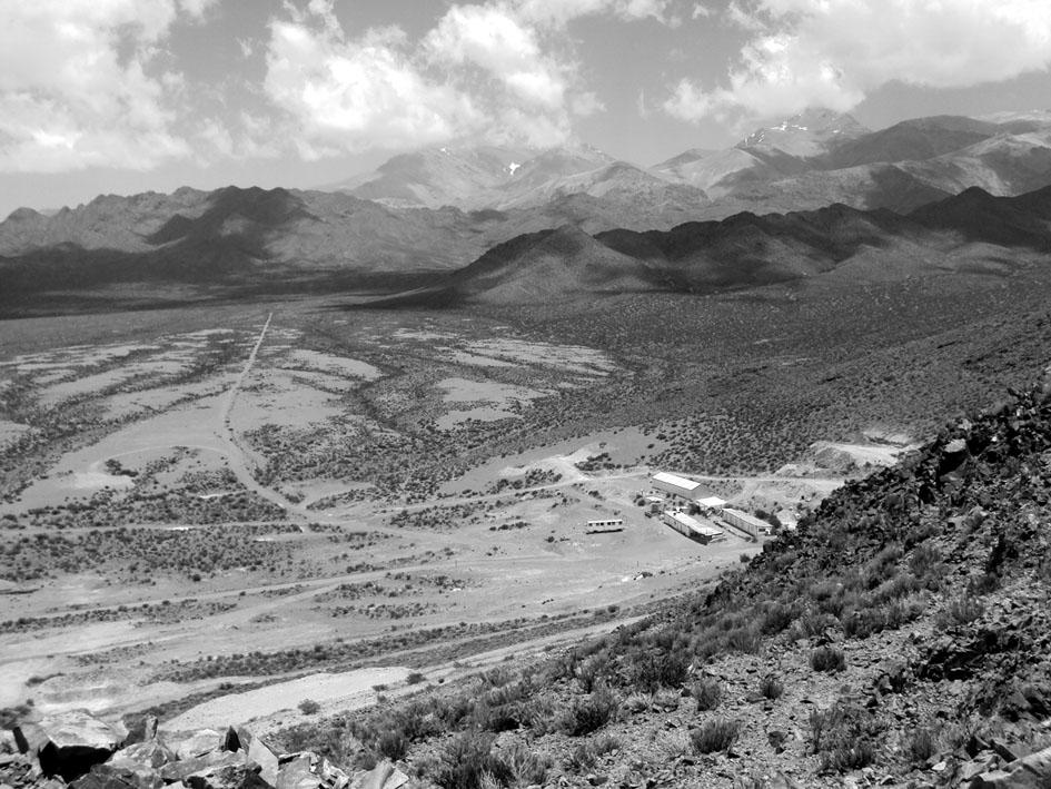 Visita de la Comisión Evaluadora Interdisciplinaria Ambiental Minera (CEI AM) al proyecto San Jorge en Uspallata (Mendoza). Fotografía de Lucrecia Wagner.