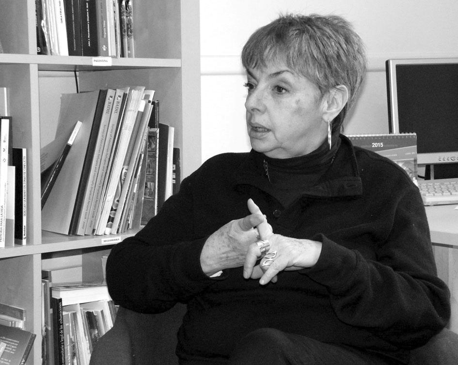 Ana Esther Ceceña durante la entrevista en Bilbao. Fotografía de Javier González.