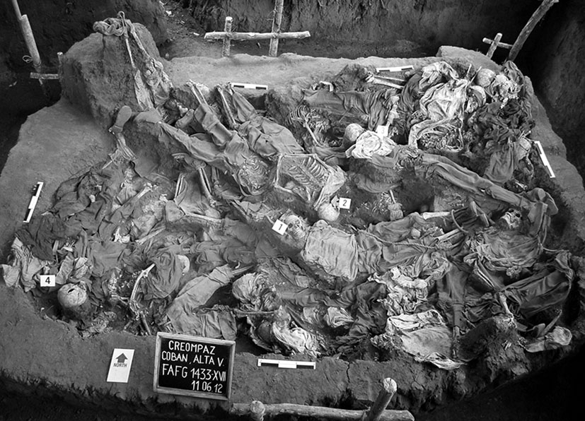 Excavaciones realizadas el 11 de junio de 2012 en CREOMPAZ. Fotografía: Archivo de CALDH.