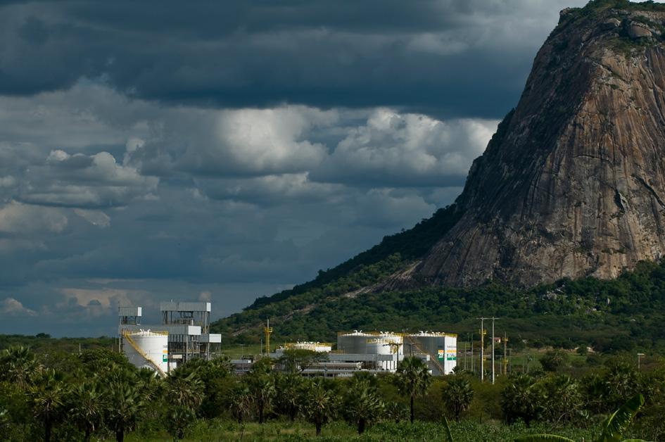 Pese a que la producción de biocombustibles crecerá en la región, Petrobras decidió cerras sus usinas y concentrar sus esfuerzos en los fósiles. Fotografía: Presan Petrobras.